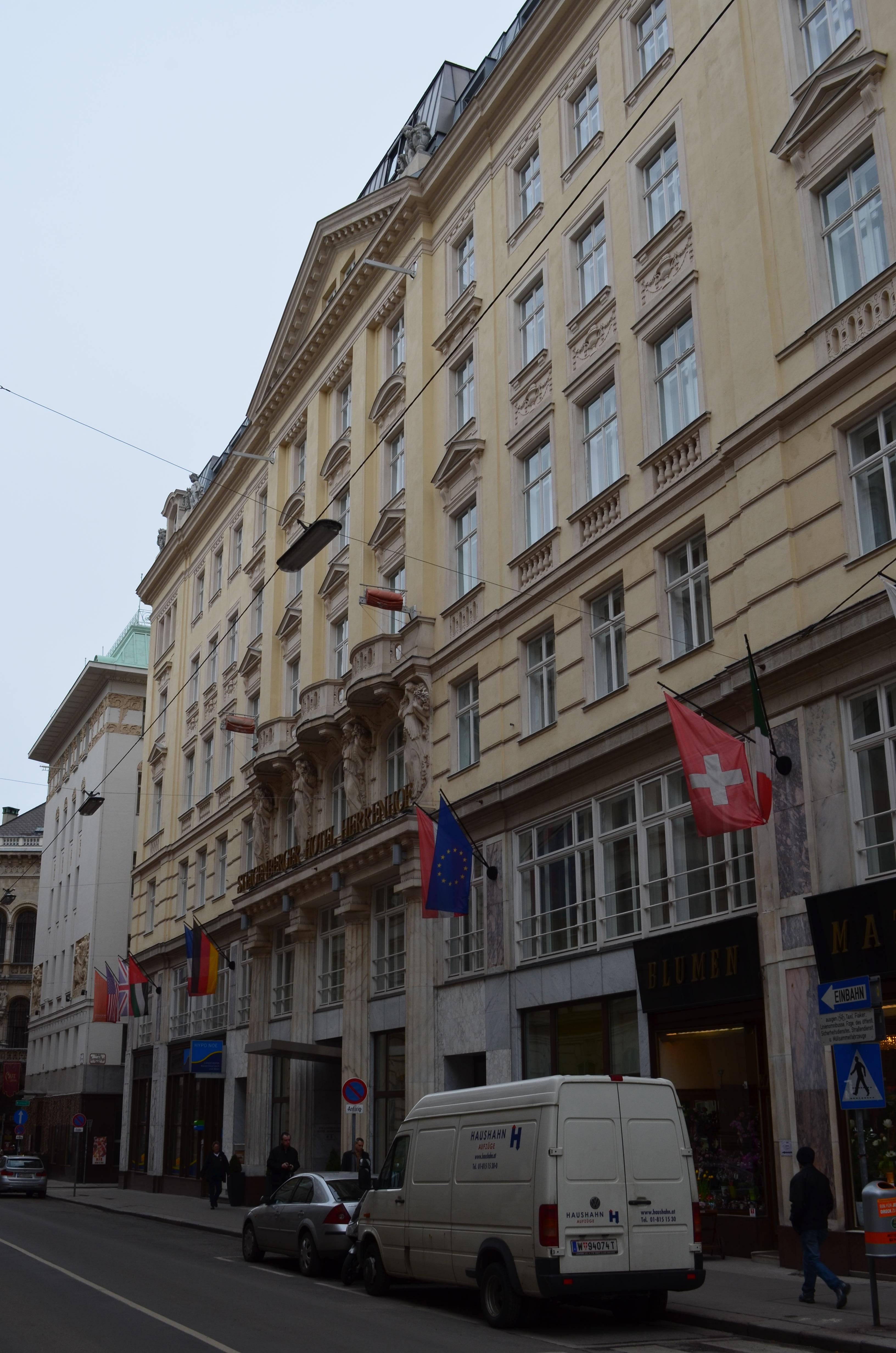 Hotel Herrenhof an der Stelle, wo einst das Café Herrenhof stand.